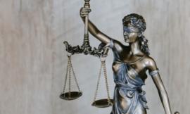 מה עושה עורך דין פלילי ?