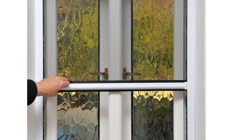 רשת לחלון נגד חרקים