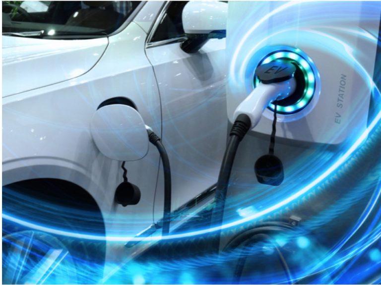 הפיכת הטעינה לקלה יותר עבור משתמשי הרכב החשמלי